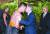 """뉴질랜드를 국빈 방문 중인 문재인 대통령이 3일(현지시간) 총독관저에서 열린 공식 환영식에서 마오리족 공연자와 악수하며 코를 맞대는 홍이(Hongi)로 인사하고 있다. 문 대통령은 '환영해 주셔서 감사합니다""""라고 말했다. [청와대사진기자단]"""