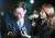 친형 강제입원 시도, 검사 사칭, 대장동 개발 관련 허위사실 공표 등 혐의에 대한 피의자 신분으로 검찰에 출석한 이재명 경기도지사가 지난달 24일 13시간에 걸친 조사를 마친 뒤 수원지검 성남지청을 떠나고 있다. [연합뉴스]