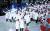 2월 9일 강원도 평창올림픽스타디움에서 열린 평창 겨울올림픽 개회식에서 남북한 선수단이 한반도기를 흔들며 입장하고 있다. [사진=뉴스1]