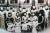 1932년 4월 윤봉길 의거 직후 일본의 탄압을 피해 상하이를 탈출한 뒤 저장성 자싱에 은거하던 시절 임시정부 요인과 가족들 사진. 중국식 옷차림이 이채롭다. 뒷줄 오른쪽 셋째가 임정 산하 한인애국단장 김구. 다섯째가 임정 주석을 지낸 이동녕. [사진 상하이총영사관]