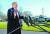 도널드 트럼프 미국 대통령이 6일(현지시간) 캠프 데이비드에서 백악관으로 돌아오며 기자들의 질문에 답변하고 있다. [로이터=연합뉴스]