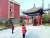 중국 시안에 있는 한국광복군 제2 지대 주둔지 옛 터를 찾은 문영숙 작가. [사진 시안총영사관]
