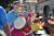 LA에서 열린 'Kingdom Day Parade'에도 장고를 연주하는 한국인 여성들이 동참했다. [AFP=연합뉴스]