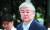 장녀의 땅콩 회항으로 한진가의 수난이 시작됐고, 차녀의 물컵 갑질은 오너가에 대한 분노를 터뜨리는 매개가 됐다. 두 사건으로 조양호 회장은 20년 만에 대한항공 대표이사직에서 물러났다. 지난해 7월 5일 조 회장이 영장실질심사를 받기 위해 서울남부지법에 출두하고 있다. [중앙포토]