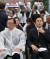 18일 광주 5·18민주묘지에서 열린 5·18민주화운동 기념식에 참석한 이해찬 더불어민주당(왼쪽)와 황교안 자유한국당 대표.[청와대사진기자단]