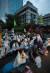 21일 오후 서울 영등포경찰서 앞에서 김명환 민주노총 위원장 석방 촉구 문화제가 열렸다. [연합뉴스]