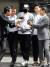 12일 오전 구속 전 피의자 심문(영장실질심사)를 받기 위해 경기도 성남시 분당경찰서에서 호송차로 향하고 있는 배우 강지환. [뉴스1]