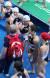 한국과 러시아의 경기가 끝난 뒤 한국 선수들이 러시아 코치진과 손뼉을 마주치고 있다.[연합뉴스]