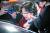 지난 3월 '환경부 블랙리스트 의혹 문건'으로 수사를 받아 온 김은경 전 환경부 장관이 3월 26일 새벽 구속영장이 기각되자 서울 송파구 동부구치소를 빠져나오고 있다.[뉴스1]
