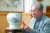 이종환 삼영화학그룹 명예회장이 지난달 30일 서울 혜화동의 '관정 이정환 교육재단' 사무실에서 '일본을 알고 이기는 법'에 대해 말하고 있다. 1923년생인 그는 4년 뒤에 100세가 된다. 우상조 기자