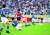 1998 프랑스 월드컵 아시아 예선 일본전에서 중거리슛을 성공한 이민성(가운데). [중앙포토]