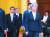 베이징에서 열린 한·중·일 외교장관 회의에 참석한 강경화 외교부 장관(오른쪽)과 고노 다로 일본 외상이 22일 리커창 중국 총리와 면담하기 위해 인민대회당에 도착하고 있다. [EPA=연합뉴스]