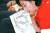 28일 오전 2019 자유한국당 국회의원 연찬회에서 나경원 원내대표가 들고 있는 마무리 발언 자료에 조국 후보자가 적혀 있다. [뉴스1]