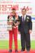 6일 열린 허정구배 제66회 한국아마추어골프선수권대회에서 우승한 박형욱이 허광수(오른쪽) 삼양인터내셔날 회장과 기념 촬영을 하고 있다. [사진 삼양인터내셔날]