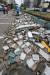 '링링'이 한반도를 강타한 7일 오후 인천 중구 한진 택배 담벼락이 무너져 있다. 이 사고로 시내버스 운전기사 A씨가 무너진 담벼락에 깔려 인근 병원으로 옮겨졌으나 숨졌다.[뉴스1]