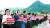 자유한국당 황교안 대표(왼쪽)와 의원들이 9일 오후 서울 광화문광장에서 차도 방향으로 손팻말을 보이며 조국 법무부 장관의 임명 철회를 촉구하고 있다. [연합뉴스]