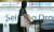 아시아나항공이 대한항공에 이어 지난 9월부터 기종 변경을 통해 일본 노선 공급 조정에 들어갔다. 기존 비행기를 소형기로 대체해 좌석수를 줄이는 방식이다. 전날 대한항공은 9월부터 부산~삿포로 노선의 운항을 중단한다고 밝힌 바 있다. [뉴스1]