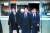 윤석열 검찰총장이 2일 오후서울 서초구 서울성모병원 장례식장에 마련된 A수사관의 빈소를 조문하고 있다. [뉴스1]