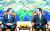 문재인 대통령이 2017년 11월 1일 예산안 시정연설을 위해 국회를 찾아 당시 정세균 국회의장과 환담하고 있다. [청와대 사진기자단]