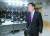 법무부는 30일 신년 특별사면·감면·복권 대상자 5174명을 발표했다. 김오수 법무부 장관 직무대행이 이날 오전 대상자를 발표하기 위해 정부서울청사 브리핑룸으로 들어서고 있다. [연합뉴스]