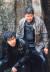 '살인의 추억' 한 장면. 송강호와 함께 형사 역으로 주연을 맡은 김상경(왼쪽)은 앞서 '생활의 발견'(2002)을 함께한 홍상수 감독이 그에게 이 영화를 추천하며 출연에 이르렀다.