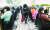 서울 구로구 콜센터에서 신종 코로나바이러스 감염증(코로나19) 확진자가 증가하고 있는 가운데 지난 11일 오전 대전시청 120콜센터에서 방역 관계자들이 방역을 하고 있다. 뉴스1.