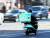 5일 서울 강남구 배민라이더스 남부센터에서 한 직원이 오토바이를 타고 배달에 나서고 있다. 뉴스1