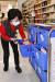 15일 홈플러스 킨텍스점에서 강은자 이커머스 실장이 가공식품 피킹을 하고 있다. 사진 홈플러스