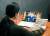 최태원 SK회장이 사회성과인센티브 어워드에서 화상으로 축하 인사를 전하고 있다. SK는 행사를 29일까지 온라인으로 개최한다. [사진 SK]