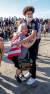 한 여성이 지난달 31일(현지시간) 미국 미니애폴리스 시위현장에서 돌진하는 유조트럭을 피한 뒤 안도하고 있다. [로이터=연합뉴스]