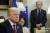 존 볼턴 미 백악관 국가안보보좌관이 도널드 트럼프 대통령 주관의 백악관 회의에 참석한 모습. 트럼프 대통령은 지난해 9월 10일 볼턴 보좌관을 트윗으로 전격 경질했다. [AP=뉴시스]