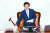 박병석 국회의장이 지난달 29일 국회 본회의에서 미래통합당이 불참한 가운데 상임위원장 선거안을 상정하고 있다. 임현동 기자