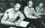 1953년 7월 27일 마크 웨인 클라크 유엔군사령관이 정전협정문에 서명하고 있다. 클라크 사령관은 판문점 조인식에 참가하지 않았고, 유엔군 회담 대표가 묵었던 문산 숙소에서 따로 서명했다. [사진 국방부 군사편찬연구소]
