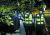 박원순 서울시장이 10일 새벽 서울 북악산 삼청각 인근에서 숨진 채 발견됐다. 박 시장의 딸이 9일 오후 5시17분쯤 경찰에 실종신고를 한 지 일곱 시간 만이다. 경찰은 4개 기동대와 소방특수대 등 700여 명의 인력과 경찰견 등을 투입해 북악산 일대에서 야간 수색작업을 진행했다. [연합뉴스]