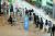 김포공항 출국장에 제주행 여행객들이 줄지어 대기하고 있다. [뉴스1]
