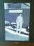 본사 회장 집무실에 있는 창업 초창기 이경수 회장의 흑백 사진.