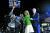 3월 당내 경선에서 승리한 조 바이든 후보가 로스앤젤레스에서 소감을 밝히던 중 시위대가 단상 위로 뛰어들자 질(오른쪽 두 번째)이 재빠르게 밀쳐내는 모습. [AP=연합뉴스]
