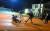 커노샤 시위 중 일어난 총격사건 장면이 소셜미디어에 올랐다. 한 백인 남성이 커노샤 시위대에게 총을 쏘는 모습이 그대로 담겼다. [로이터=연합뉴스]