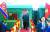 김정은 북한 국무위원장이 2019년 2월 26일 평양에서 68시간이나 걸려 베트남 북부 랑선성 동당역에 도착해 특별열차에서 내리고 있다.[VNA=연합뉴스]