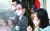"""김도읍 의원(왼쪽 사진 가운데) 등 국회 법제사법위 소속 국민의힘 의원들이 16일 국회 기자회견에서 추미애 법무부 장관 아들의 군 휴가와 관련해 '부대일지, 면담·복무 기록상 휴가 일수와 기간이 모두 다르다""""고 주장했다. 오종택 기자"""