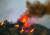 15일 미국 캘리포니아 지역에서 발생한 산불 현장에서 거대한 불꽃과 연기가 나오고 있다. AFP=연합뉴스