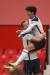 토트넘 손흥민(오른쪽)이 맨유전에서 골을 터트린 뒤 해리 케인 품에 안겨 기쁨을 나누고 있다.[AFP=연합뉴스]