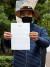 숨진 이씨(47)의 친형 이래진씨(55)가 14일 오후 인천시 연수구 해양경찰청 앞에서 기자회견을 한 뒤 문재인 대통령이 보낸 편지를 공개하고 있다. 뉴스1