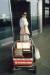 2003년 미국 뉴욕 케네디공항의 푸시카트에 삼성전자 광고가 붙어있다.