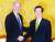 2001년 상원 외교위원장 시절 김대중 대통령을 예방한 바이든(왼쪽). [청와대 사진기자단]