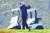 대선 패배를 인정하지 않고 있는 도널드 트럼프 미국 대통령이 8일(현지시간)에도 버지니아주 스털링에 위치한 자신 소유의 트럼프 내셔널 골프클럽에서 골프를 치고 있다. [AP=연합뉴스]