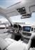 인테리어는 신차급 변화를 줬다. 전자식 변속 레버와 새로 적용한 D컷 스티어링휠은 보기에도 좋고 사용하기도 편리하다. 사진 쌍용자동차