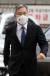 최강욱 열린민주당 대표가 지난 17일 재판 출석을 위해 오후 서울 서초구 서울중앙지방법원에 들어서고 있다. 최 대표는 조국 전 법무부 장관 아들의 인턴활동 확인서를 허위로 발급해 준 혐의로 기소됐다. 뉴스1