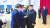 2018년 9·19 평양 남북정상회담 전날 만찬장에서 당시 방북한 민주평화당 박지원 의원(가운데)이 서훈 국가정보원장(왼쪽) 소개로 김정은 북한 국무위원장과 인사하고 있다.[연합뉴스]