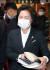 추미애 법무부 장관이 8일 서울정부청사에서 국무회의를 마치고 나오면서 환하게 웃고 있다. 그는 국무회의 직후 국회로 이동해 법사위에서 공수처법 개정안이 통과되는 장면을 지켜봤다. 김상선